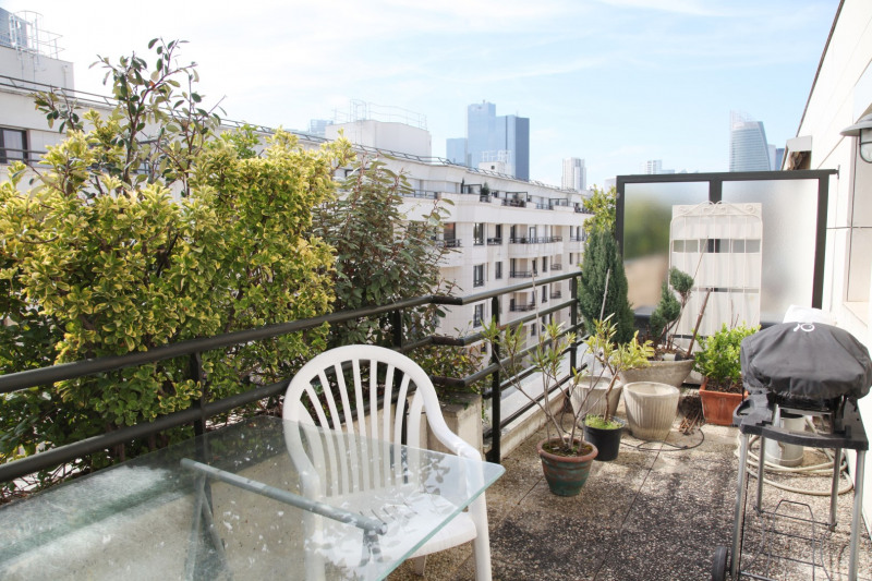 Sale apartment Courbevoie 388 000€ - Picture 1