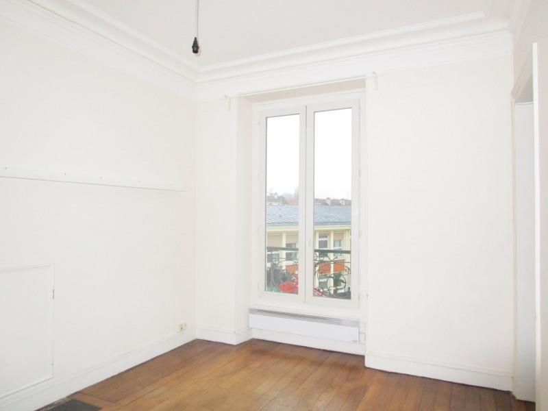 Rental apartment Versailles 725,29€ CC - Picture 1