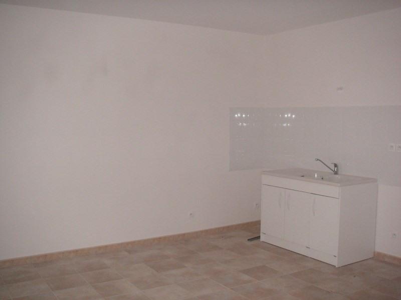 Location appartement Nantua 538€ CC - Photo 2