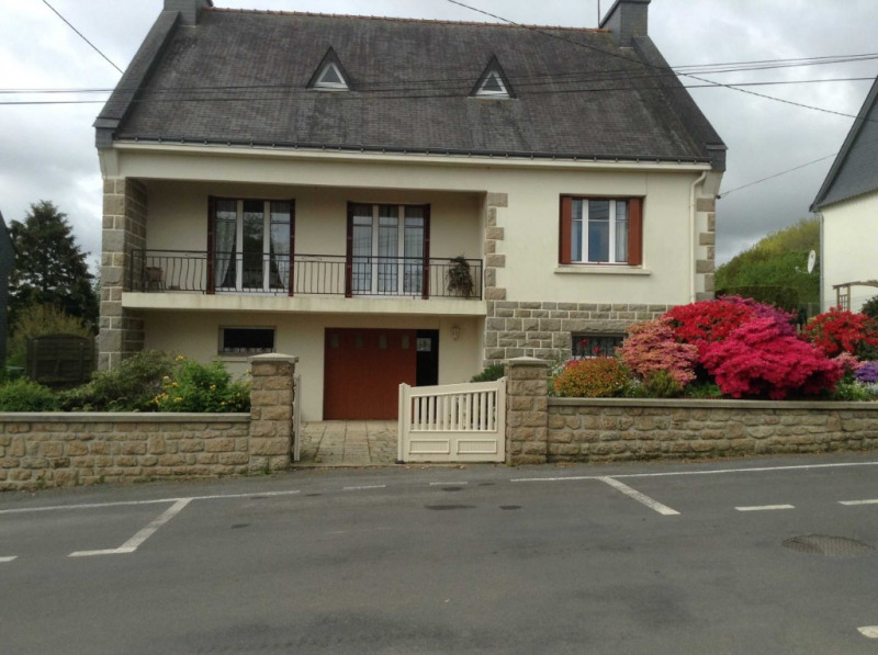 Sale house / villa Glomel 154300€ - Picture 1