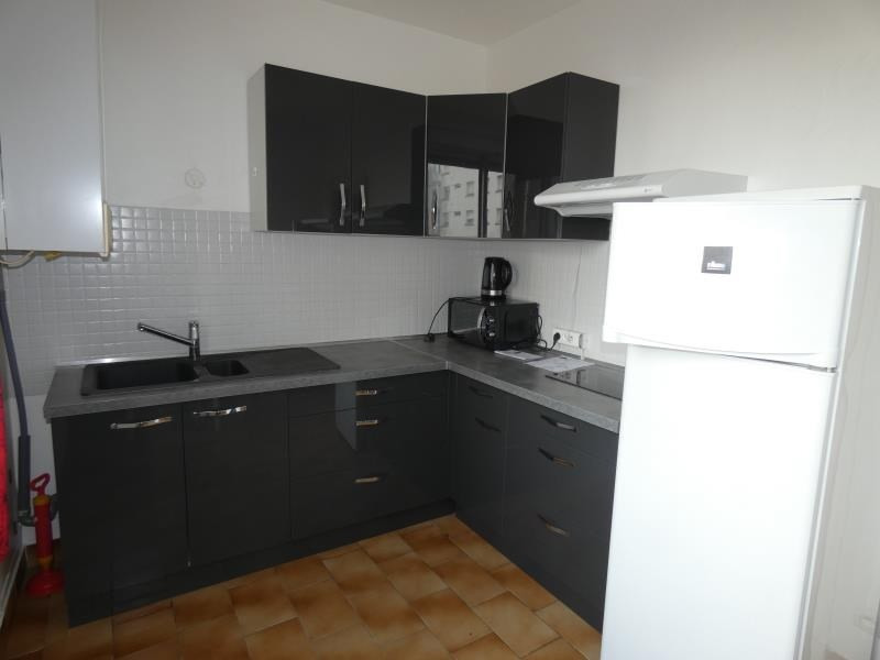 Rental apartment Montelimar 450€ CC - Picture 1