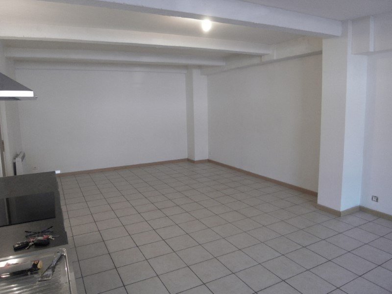 Rental apartment Cognac 388€ CC - Picture 1