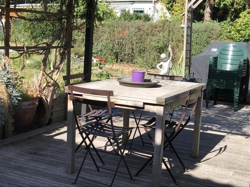 Deluxe sale house / villa Suresnes 1196000€ - Picture 1