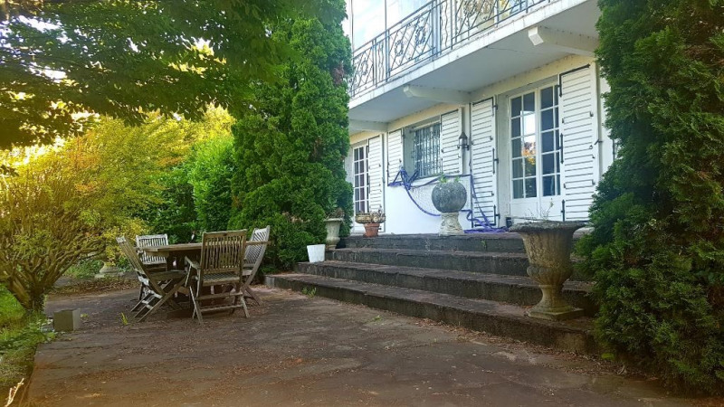 Sale house / villa Niort 251 900€ - Picture 1