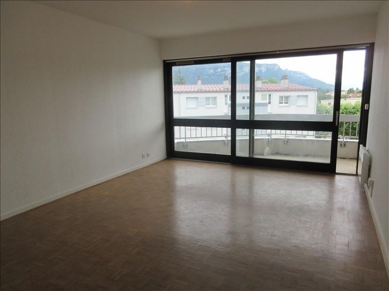 Affitto appartamento Voiron 414€ CC - Fotografia 1