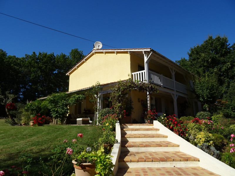 Sale house / villa Castella 299 900€ - Picture 1