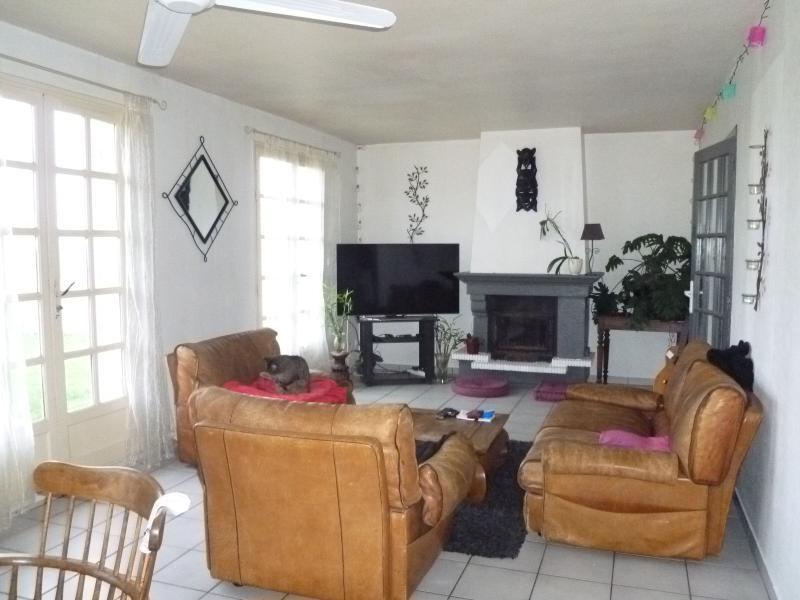 Sale house / villa St remy en rollat 196000€ - Picture 3