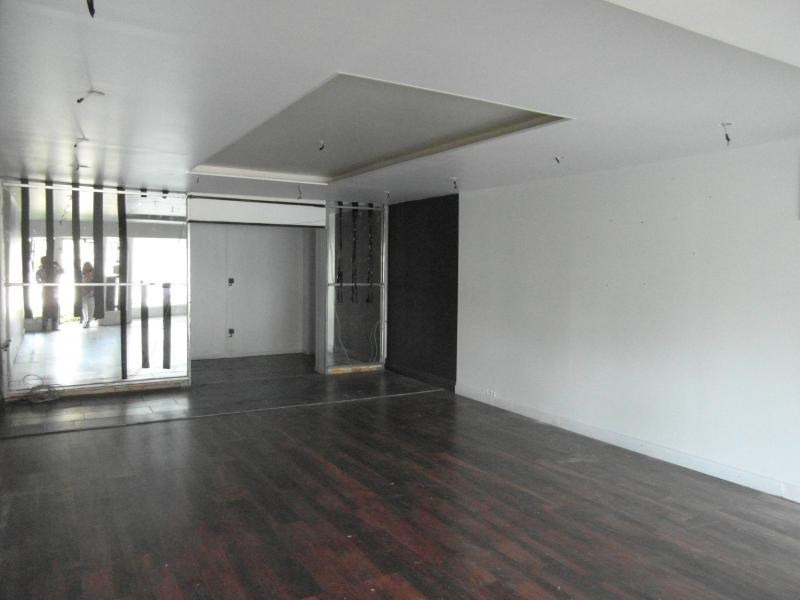 Location local commercial St denis 1 300€ HT/HC - Photo 1