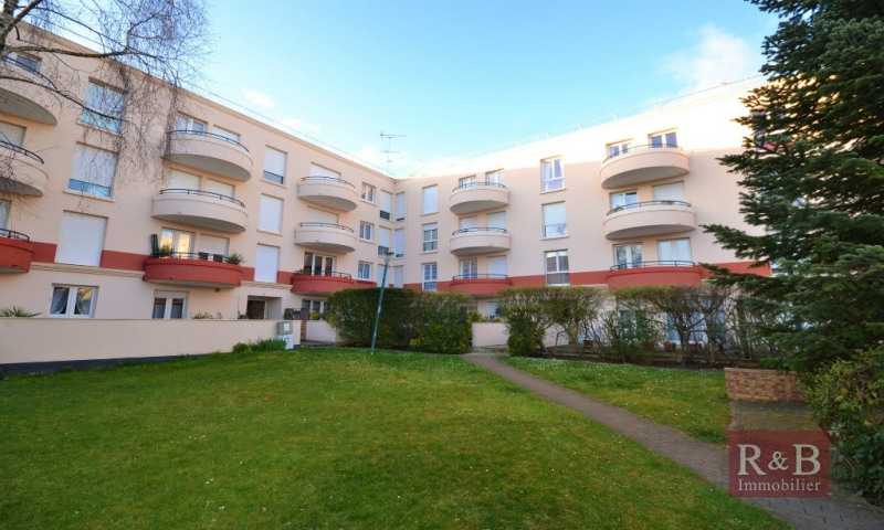 Sale apartment Plaisir 240 000€ - Picture 1