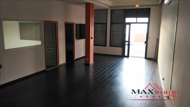 Location local commercial St pierre 2 500€ HT/HC - Photo 2