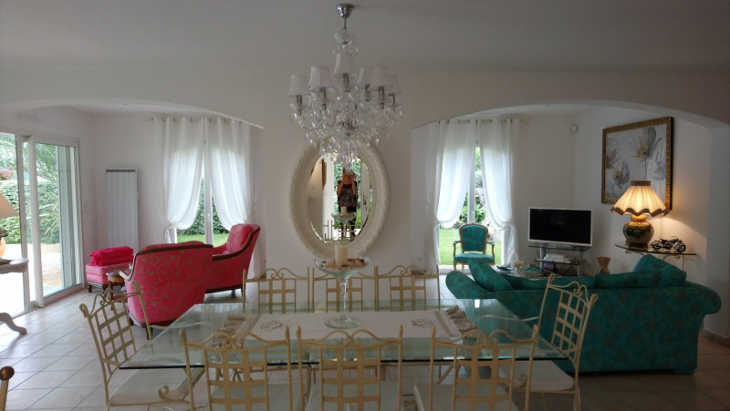 Vacation rental house / villa Les issambres 1 890€ - Picture 1