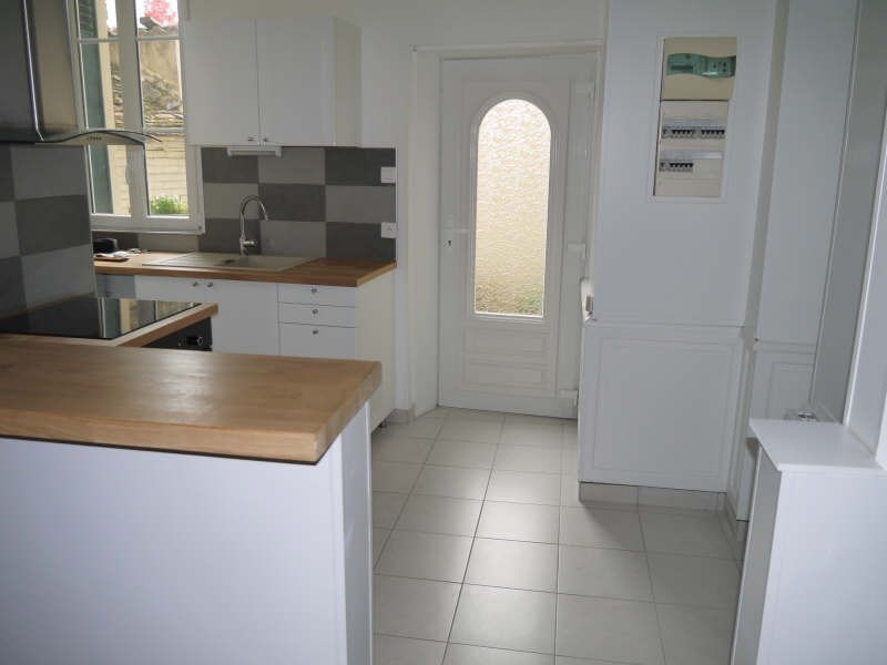 Rental apartment Andresy 1123€ CC - Picture 2