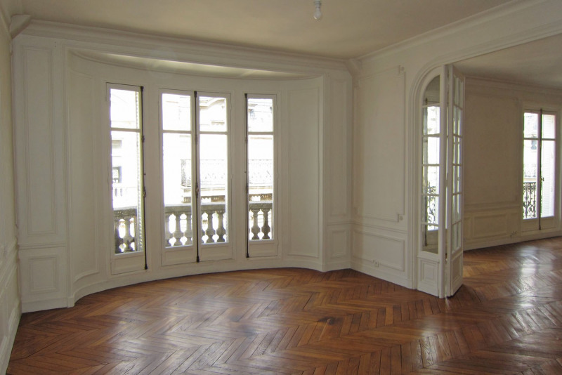 Location appartement Paris 9ème 5 545€ CC - Photo 9