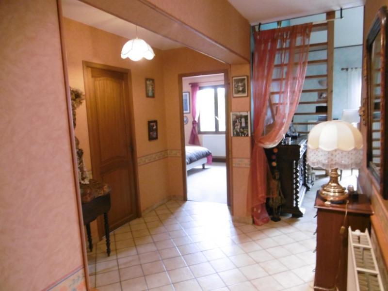 Sale house / villa Yvre l eveque 267750€ - Picture 5