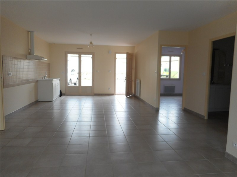 Location maison / villa Salles 505€ CC - Photo 3