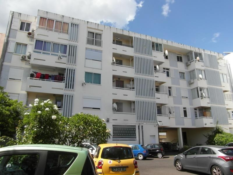 Sale apartment St denis camelias 109 000€ - Picture 3