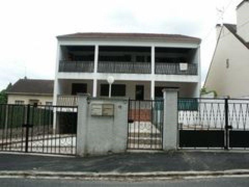 Rental apartment Itteville 950€ CC - Picture 1