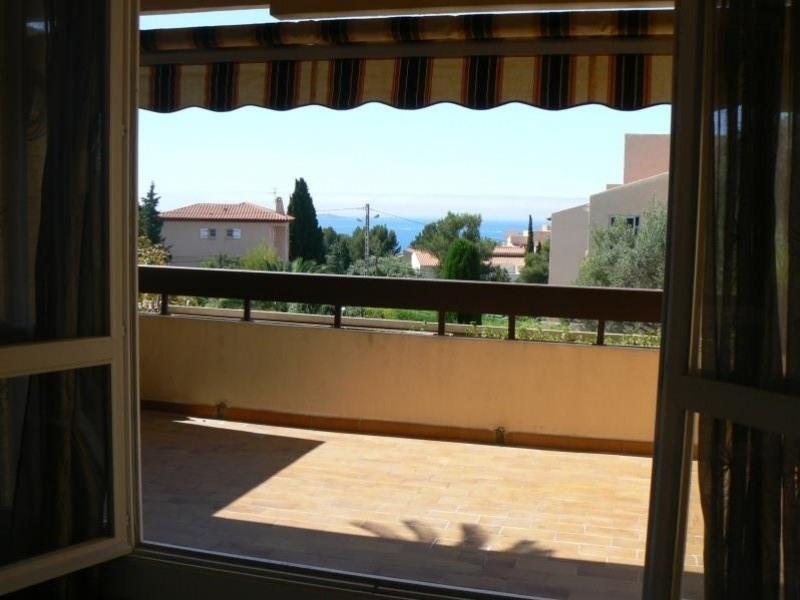 Location appartement Bandol 1 219€ CC - Photo 1