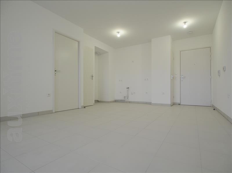 Rental apartment Marseille 10ème 620€ CC - Picture 1