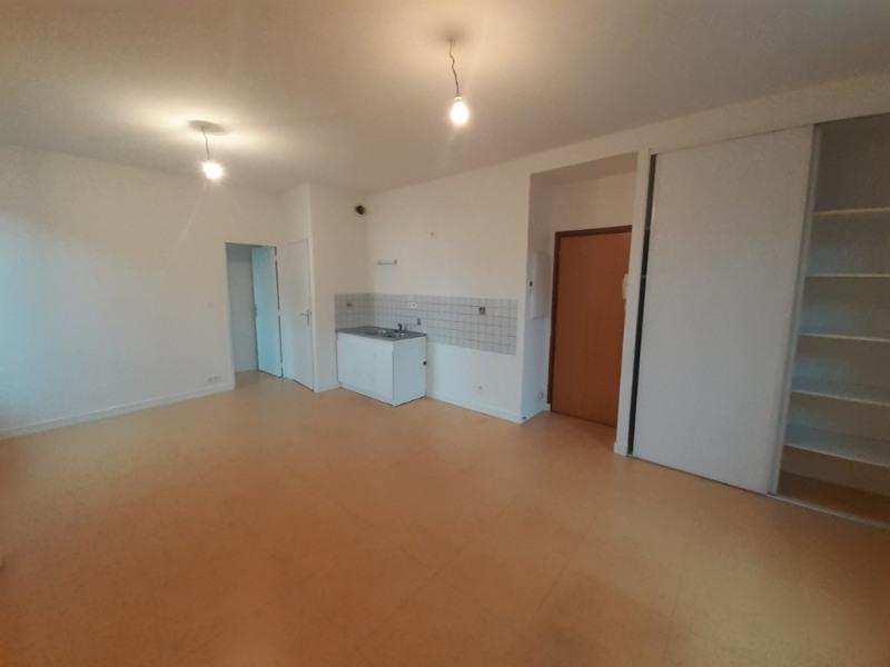 Rental apartment Quimperle 410€ CC - Picture 1