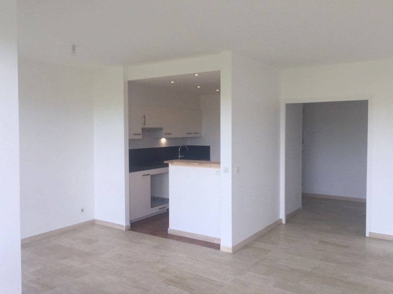 Rental apartment Ecully 1 190€ CC - Picture 1