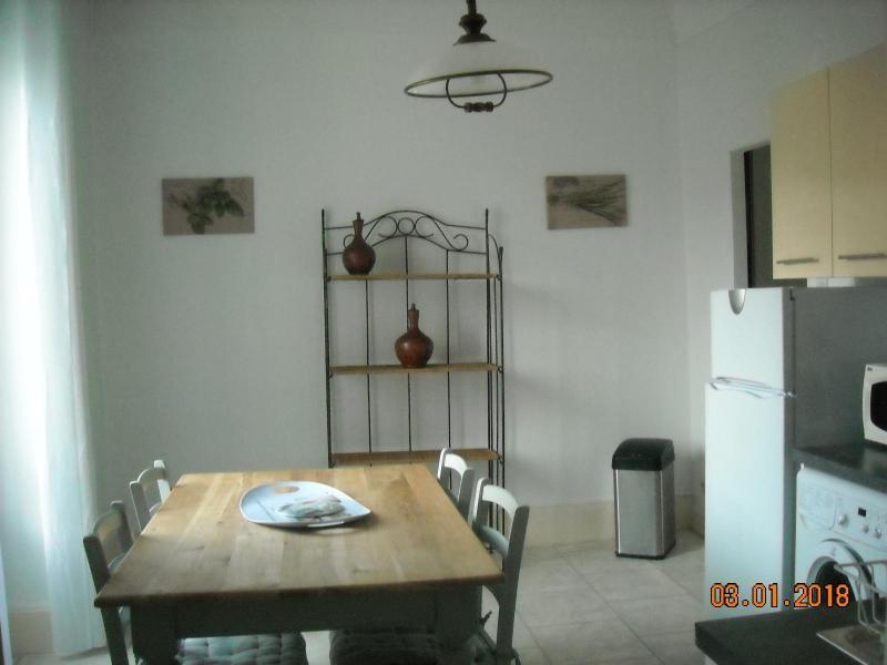 Rental apartment Vichy 280€ CC - Picture 1