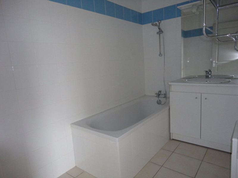 Rental apartment Aire sur l adour 473€ CC - Picture 5