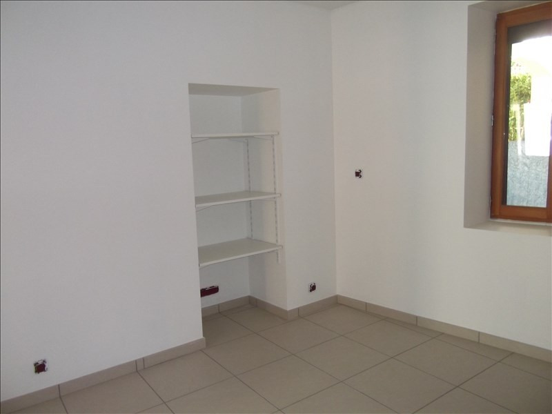 Rental apartment Yenne 480€ CC - Picture 4