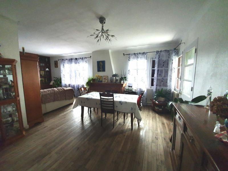 Sale house / villa Barbezieux-saint-hilaire 137800€ - Picture 2