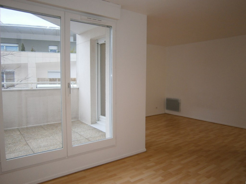 Rental apartment Montigny le bretonneux 672€ CC - Picture 3