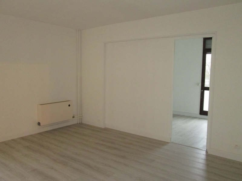 Rental apartment Avon 788€ CC - Picture 1