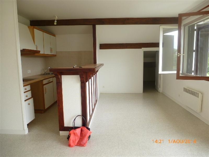 Rental apartment St pée sur nivelle 535€ CC - Picture 1