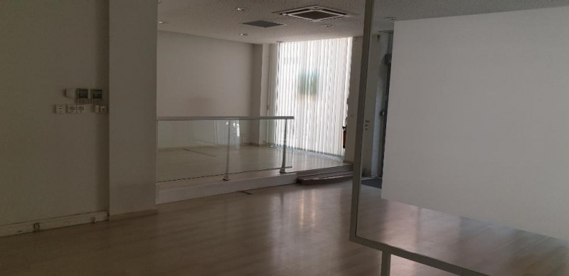 Rental empty room/storage Chambery 2 400€ HC - Picture 2
