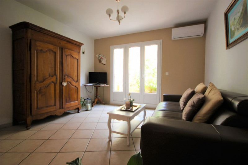 Sale house / villa Lambesc 231 500€ - Picture 2