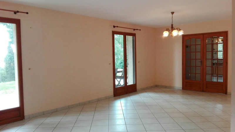 Revenda casa Montseveroux 270000€ - Fotografia 5