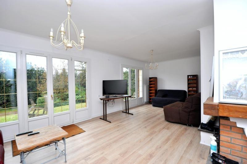 Sale house / villa St cheron 299000€ - Picture 2