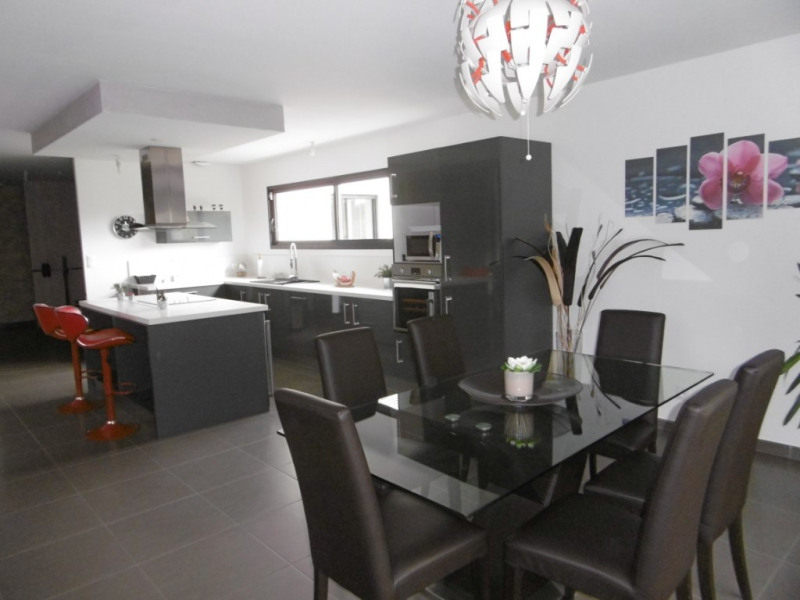 Sale house / villa Montmain 308000€ - Picture 5