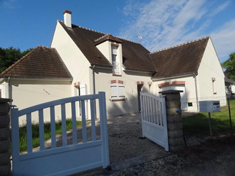 Rental house / villa Chevillon sur huillard 850€ CC - Picture 1