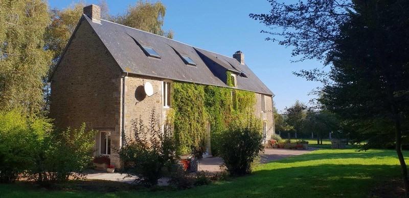 Vente maison / villa Villers bocage 317500€ - Photo 1