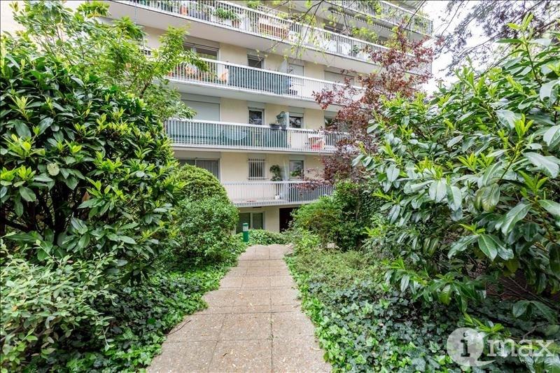 Sale apartment Courbevoie 700000€ - Picture 9