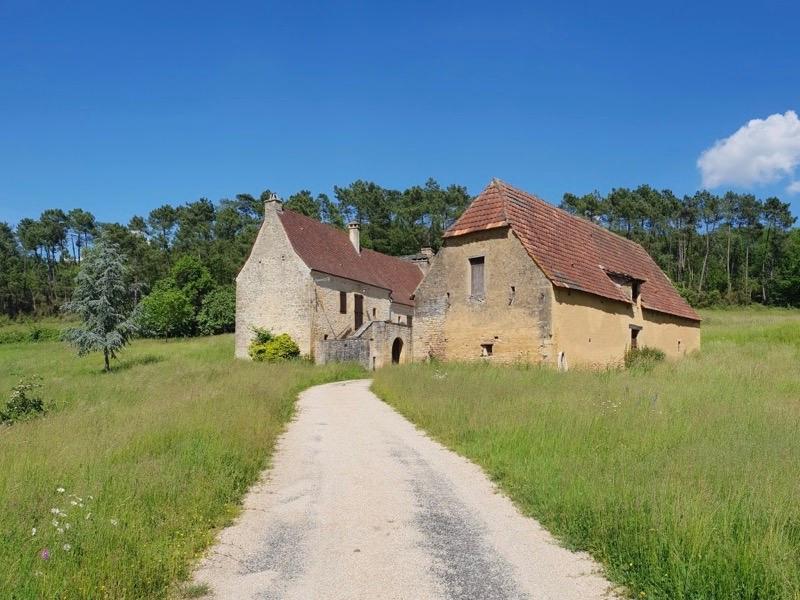 Sale house / villa Marcillac-saint-quentin 378000€ - Picture 1