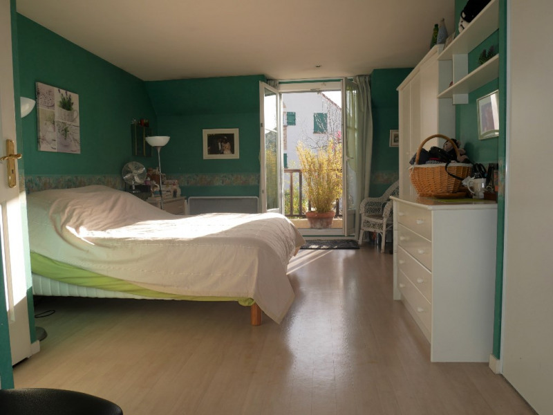 Sale house / villa Poissy 515000€ - Picture 6