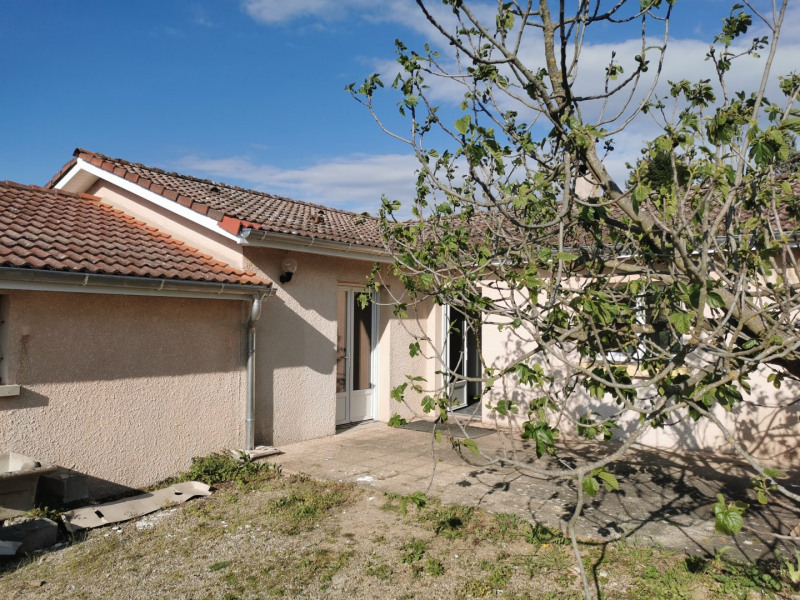 Sale house / villa Estrablin 270000€ - Picture 1