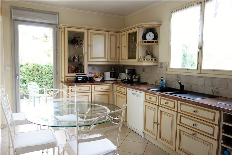 Sale house / villa Montfort l amaury 575 000€ - Picture 4