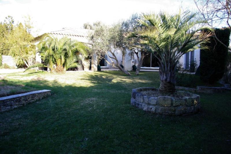 Deluxe sale house / villa Aigues vives 750000€ - Picture 2