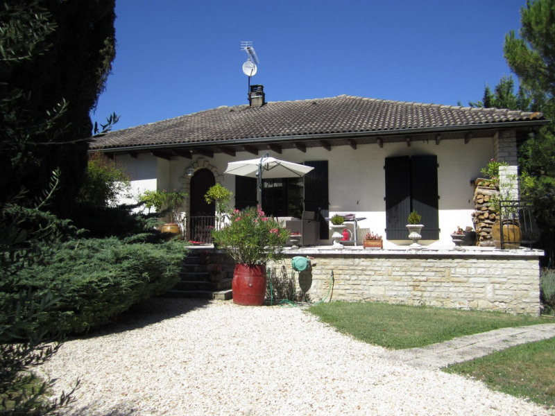 Sale house / villa Barbezieux saint-hilaire 209 000€ - Picture 1