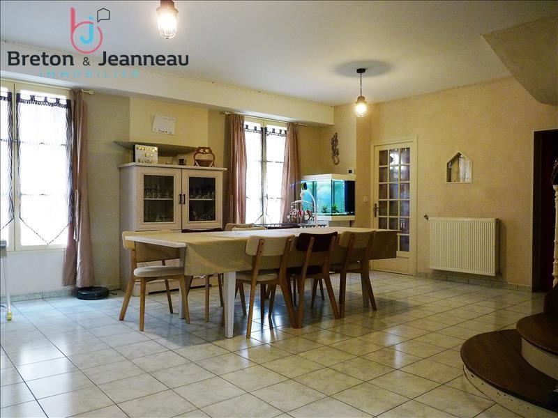 Sale house / villa Craon 156000€ - Picture 2