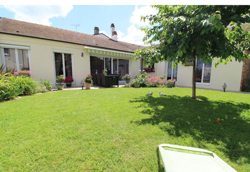 Sale house / villa Maurepas 378000€ - Picture 2