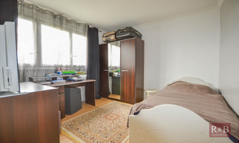 Sale apartment Plaisir 199 000€ - Picture 5