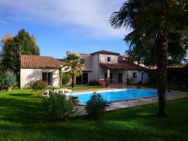 Sale house / villa Chauray 383 800€ - Picture 1